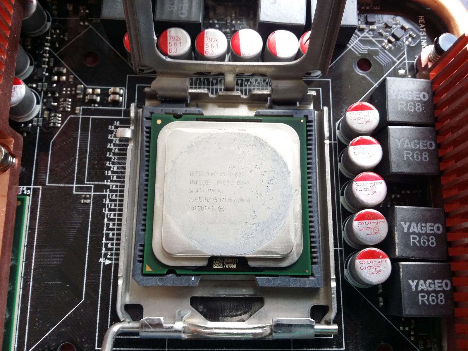 Sockel 775 am Limit: 771 Xeon mit Mod-Sticker auf normalen